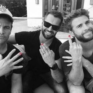 AKCJA SPOŁECZNA! Mężczyźni malują paznokcie!