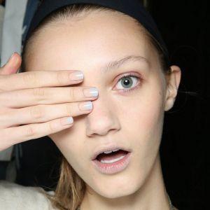 Trend uroda wiosna 2017: manicure ombre