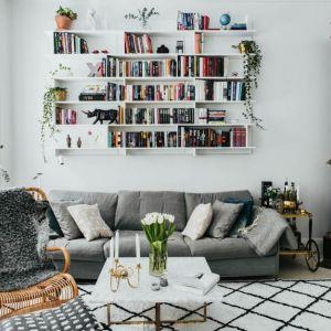 Pełne światła mieszkanie w Sztokholmie