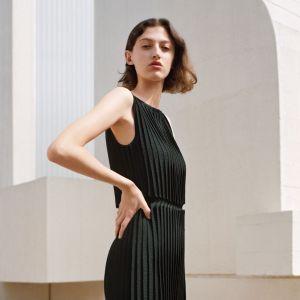 COS sukienki na jesień 2017