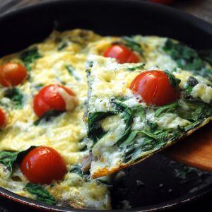 Zdrowe śniadania: omlet ze szpinakiem