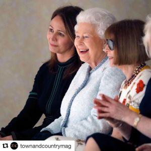 Królowa Elżbieta na pokazie mody London Fashion Week