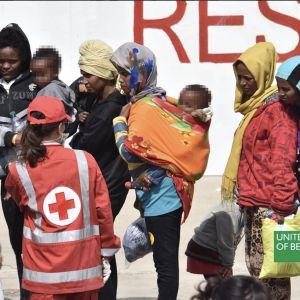Reklama Benetton z uchodźcami