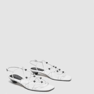 Sandałki na cienkich paseczkach; 109 zł
