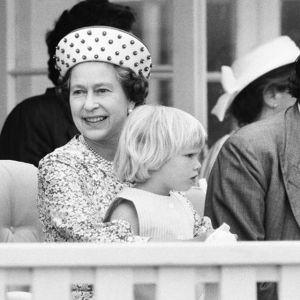 Zara Tindall z babcią królową Elżbietą II