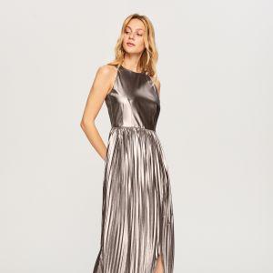Sukienki Reserved na święta 2018