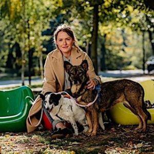Olga Frycz w ogniu krytyki za zdjęcie dziecka z psem