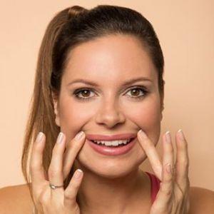 Ćwiczenie na uniesienie kącików ust