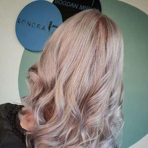 Faded pastel – jak nosić najmodniejszy kolor włosów tej wiosny