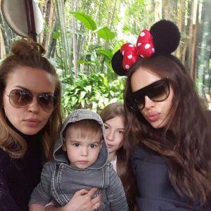 Irina Shayk pokazała siostrę : razem w Disneylandzie