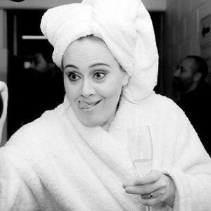 Adele rozstała się z partnerem Simonem Koneckim