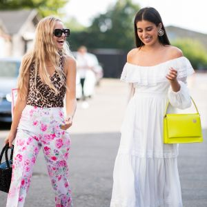 Sukienka bez ramion na lato 2019