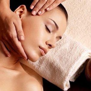 Masaż twarzy: Usuwanie stresu