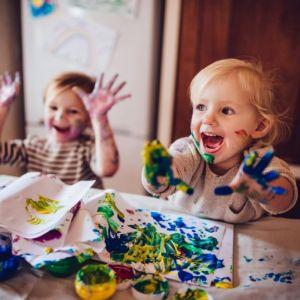 Zachęcaj dzieci do swobodnej zabawy. Niech dzieci nadają jej kierunek