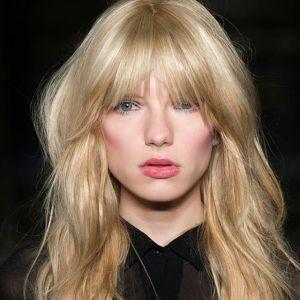 Grzywka w stylu Brigitte Bardot