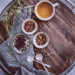 Sposoby na trądzik: pij oczyszczające zioła