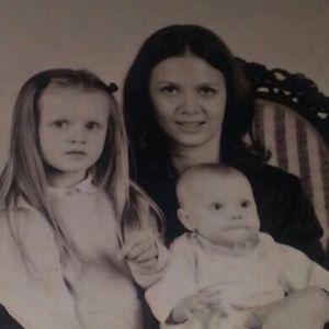 Kinga Rusin pokazała zdjęcie z córkami sprzed lat: nie bez powodu. O co chodzi?