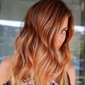 Modne kolory włosów 2019: Miedziane ombre