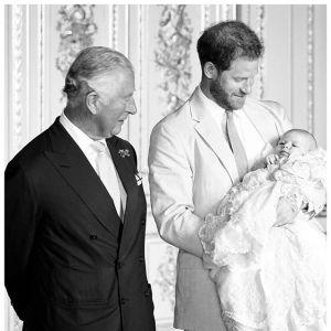 Książę Harry z synkiem i ojcem