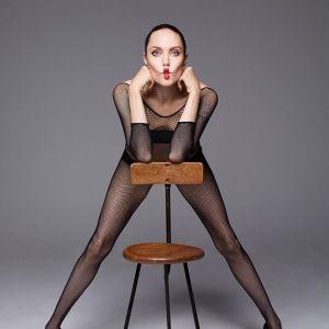"""Angelina Jolie w sesji dla """"Harper's Bazaar"""""""