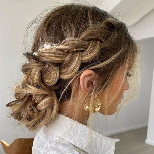 Fryzury na święta, czyli modne uczesania dla różnego rodzaju włosów