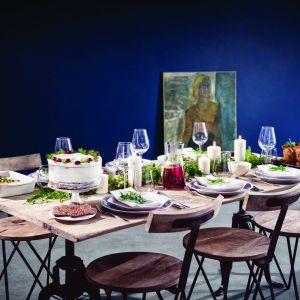 """Dekoracje stołu świątecznego pochodzą z książki """"Jak zaczarować stół"""""""