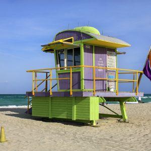 Stacje ratowników na plaży w Miami