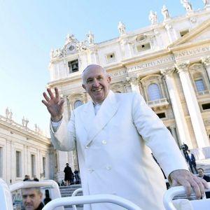 """Żart papieża Franciszka: """"Mam nadzieję, że mnie nie ugryziesz"""""""