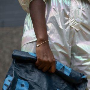 Moda trendy 2020: modne kolory klasyczny niebieski Classic Blue Pantone