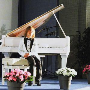 7-letni kompozytor z Grecji