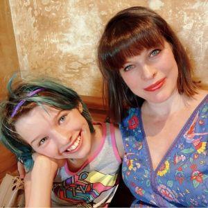 Milla Jovovich ze starszą córeczką