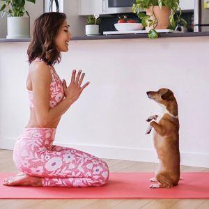 Ćwiczenia na smukłe ramiona: bez hantli
