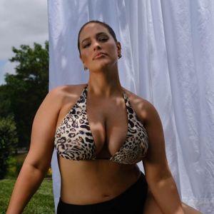 Rozstępy, cellulit, zbędne kilogramy - Ashley Graham pokazuje, jak naprawdę wygląda ciało po ciąży