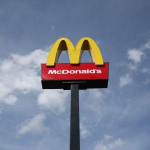 McDonald's - kultowy zestaw Happy Meal bez plastikowej zabawki