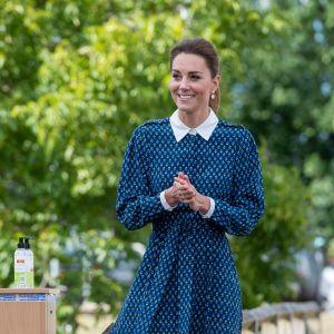 Kate Middleton w sukience z kołnierzykiem Beulah