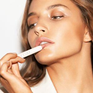 Jusee - kosmetyki do makijażu Julii Wieniawy
