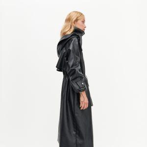 Moda na zimę: Długi skórzany płaszcz - kurtka Reserved