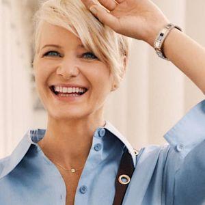 MOda na jesień 2020: Małgorzata Kożuchowska cała w królewskich błękitach