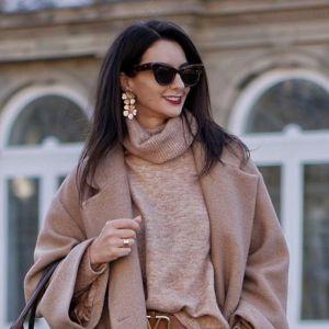 Stylizacja z Instagrama - beżowy płaszcz, wełniany sweter i torebka vintage