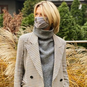 Płaszcz na zimę w modną kratkę i hitowe chunky boots - w stylu Magdy Mołek