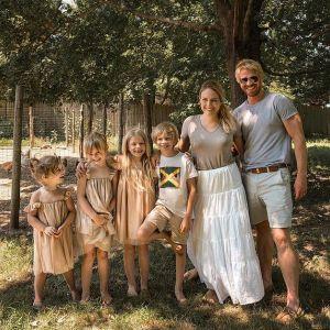 Emily Mitchell i jej rodzina