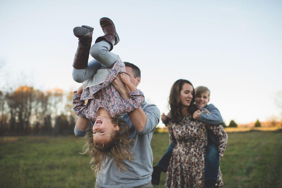Jak wychować szczęśliwe dziecko? Ten trend pokochali rodzice