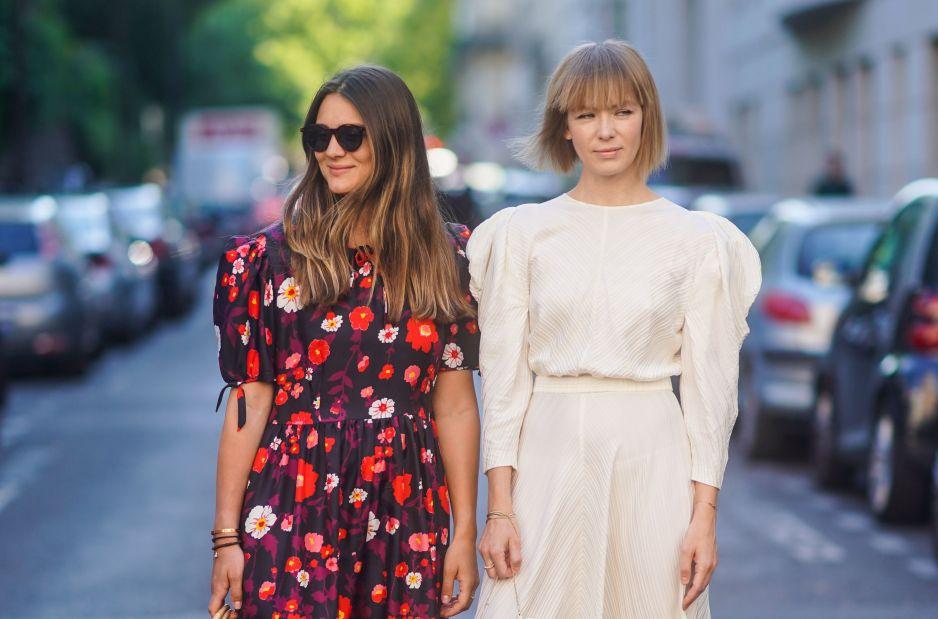 Modne sukienki z wyprzedaży 2019