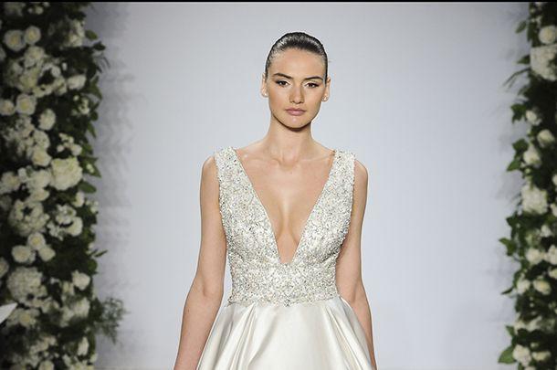 897341c6aa Klasyczne suknie ślubne Dennis Basso - Kobieta.pl