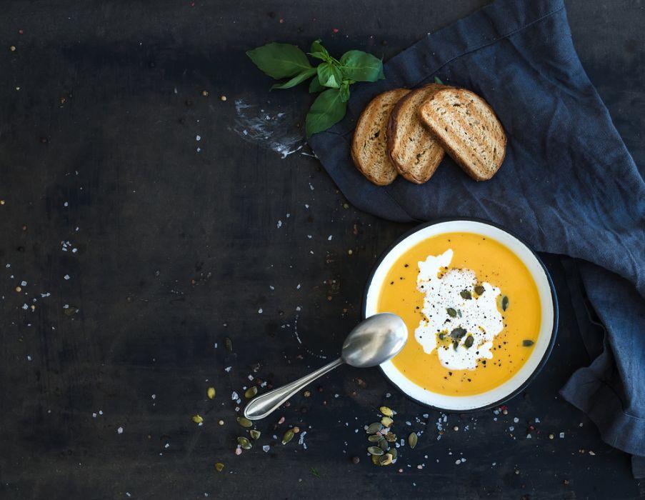 Jak uratować przesoloną zupę?