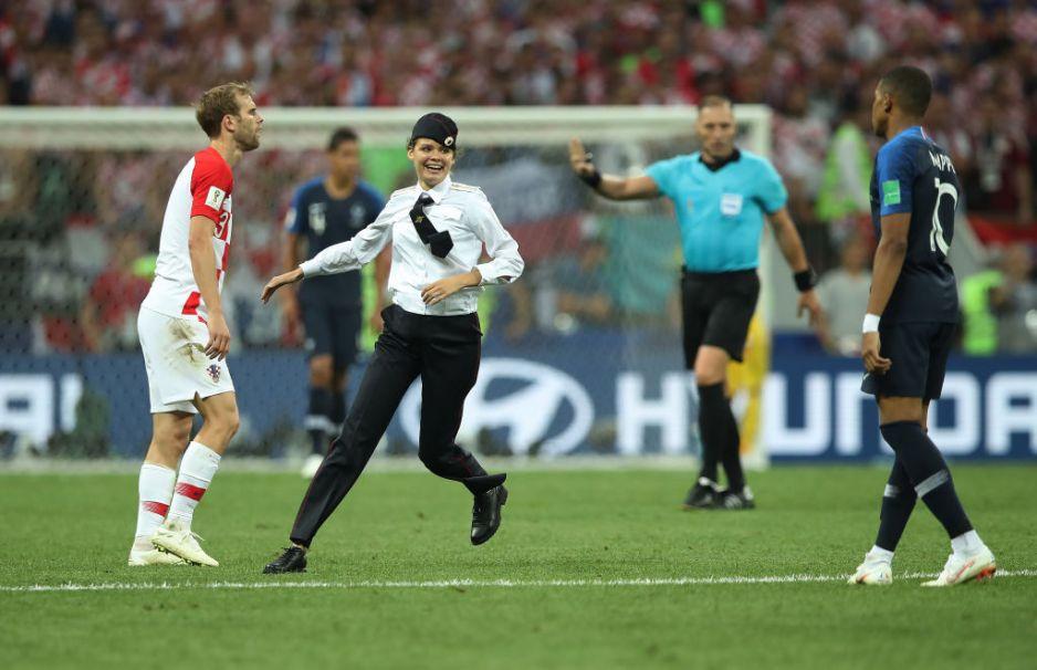 Pussy Riot wbiegły na boisko podczas Mistrzostw Świata 2018