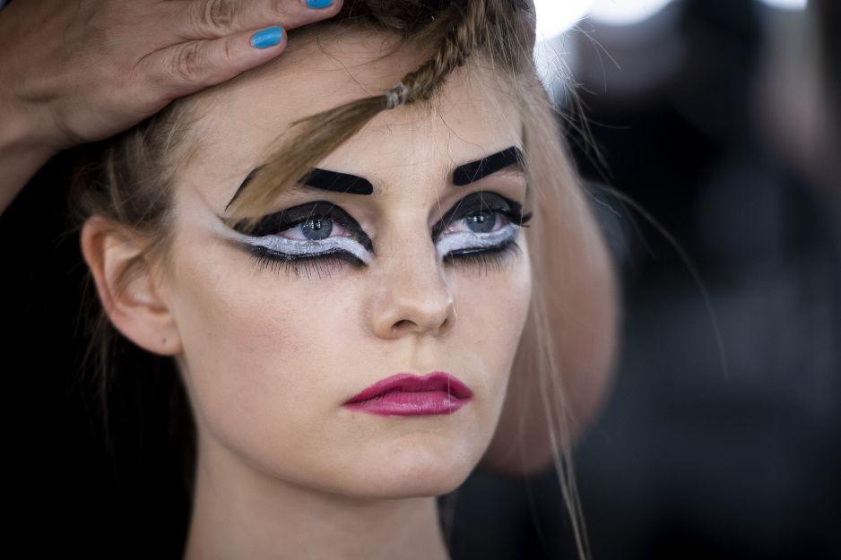5 Podstawowych Błędów W Makijaż Popełniasz Je Kobietapl