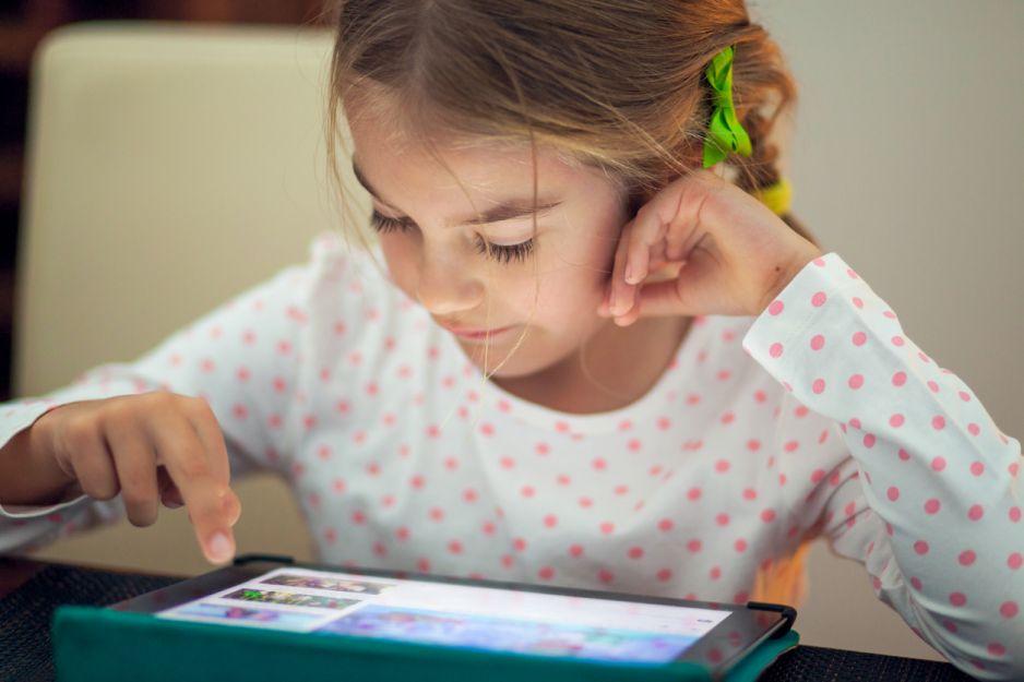 fc63b9515b Dajesz dziecku tablet  cofasz jego mózg do poziomu trzylatka ...
