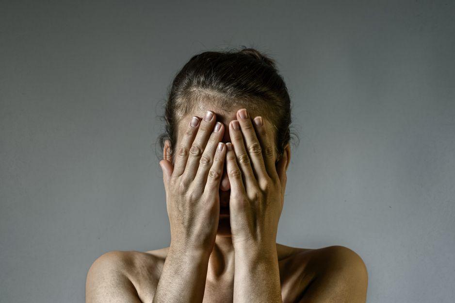 Specjaliści bardzo krytycznie wypowiadają się na temat zmiany przepisów w sprawie przemocy w rodzinie. Wskazuje się, że te w obecnym kształcie godzą w najsłabszych, czyli pokrzywdzone kobiety i dzieci.