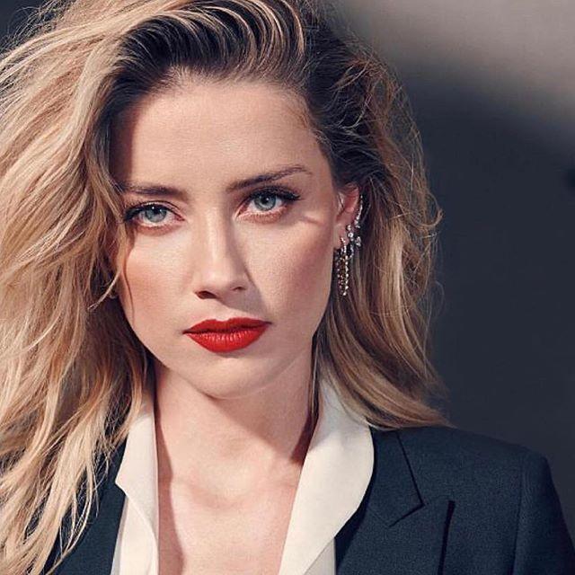 Amber Heard Twierdzi że Johnny Depp Się Nad Nią Znęcał I